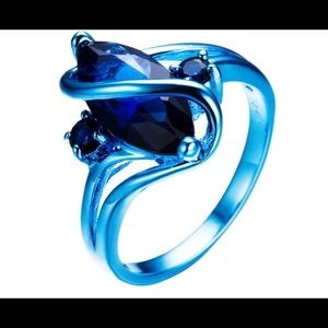 Jewelry - Blue rhodium plated quartz ring